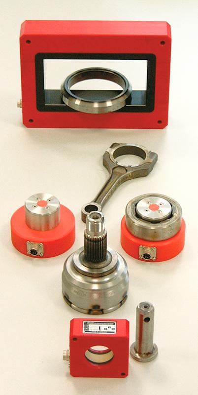 ibg Sonderspulen und ihre Prüfteile (von vorne): geschirmte Rundspule, Innenprüfspulen und Rechteckspule